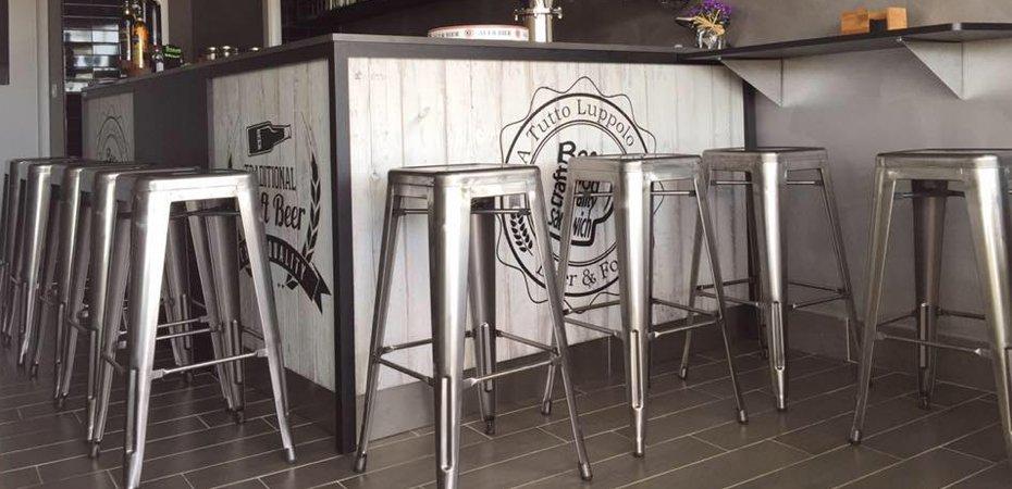Sedie e tavoli vintage et79 regardsdefemmes for Sedie bar usate